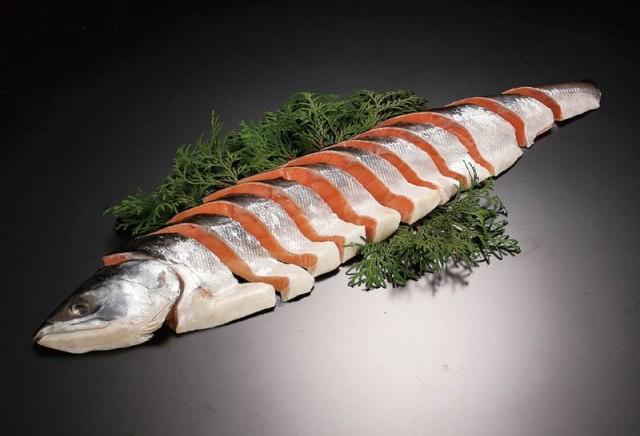 北海道 鮭 切り身 お歳暮 「時鮭姿切り身 半身1kg」 時鮭 ギフト 時不知 鮭 ギフト トキシラズ お歳暮 鮭 御歳暮 さけ 切身 個包装 魚 お