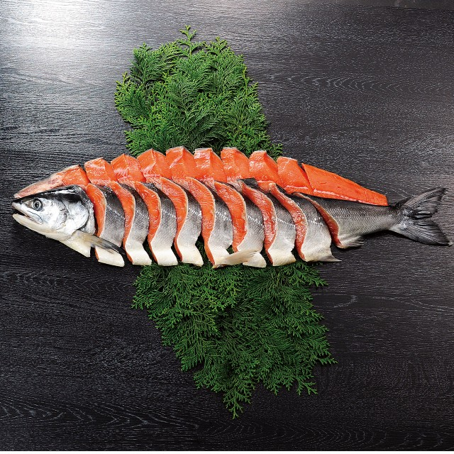 北海道 鮭 切り身 お歳暮 「時鮭姿切り身2kg」 時鮭 ギフト 時不知 鮭 ギフト トキシラズ お歳暮 鮭 御歳暮 さけ 切身 個包装 魚 お歳暮