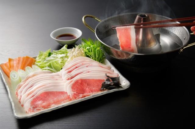 お中元 お取り寄せグルメ 送料無料 北海道真狩産 ハーブ豚のロースしゃぶ ギフト 送料無 お返し 内祝い プレゼント