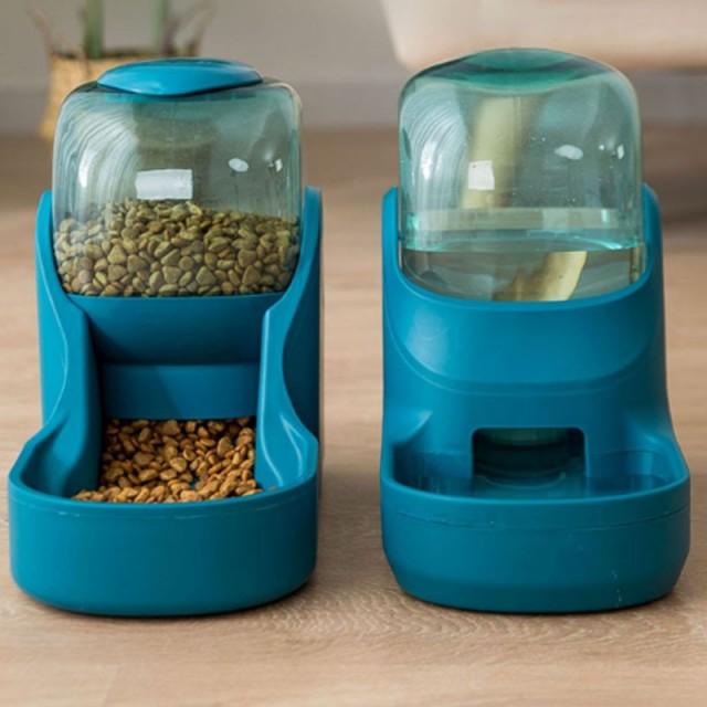 ペット用自動給餌器 自動給水器 ペット用品 犬猫兼用 水飲み フードキーパー ペットボトル 自動補給 旅行 外出 給水タンク