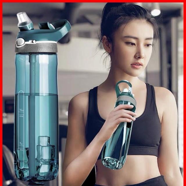 セール 水筒 スポーツボトル 大容量 直飲み 800ml ジム 運動 室内 室外 フック式ハンドル付き 携帯ボトル トレーニング スムージー アウ