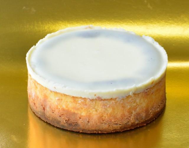 チーズ好きをうならせた ニューヨークチーズケーキ6号サイズ 直径18cm