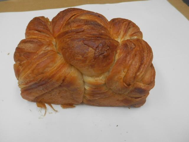 奇跡の30年自家製天然酵母デニッシュ食パン.デンマーク。美味しさだけを追求したらこのパンになりました。とても贅沢な配合です。