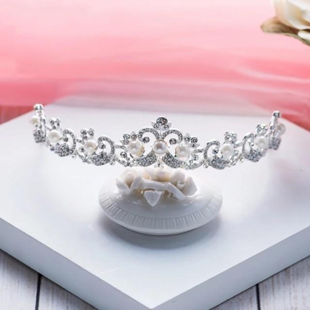 二次会 パーティー ウェデイング ブライダル 結婚式 真珠のティアラ パール カチューシャ 花嫁 ヘッドドレス