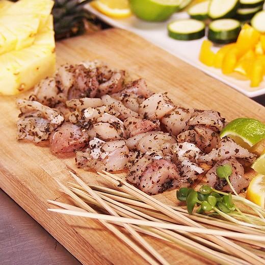 【無添加】珍味!ワニ肉 竹串付き味付けクロコダイルキューブ 150g (ワニ串、ケバブ) オーストラリア産