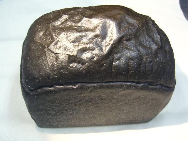 奇跡の30年自家製天然酵母竹炭食パン。このパンを食べなければ天然酵母パンは語れません。ぱんの本当の美味しさに気が付くはずです。