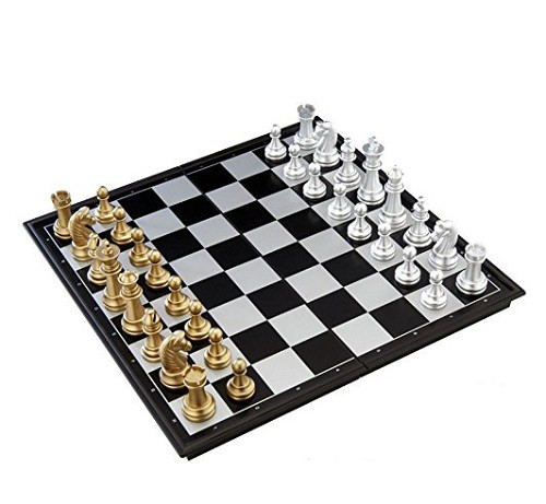 豪華なボードゲーム 金と銀のチェス 大判サイズ 約32cm×32cm / マグネット式で外でも遊べます 一式セット / 遊戯 チェス盤