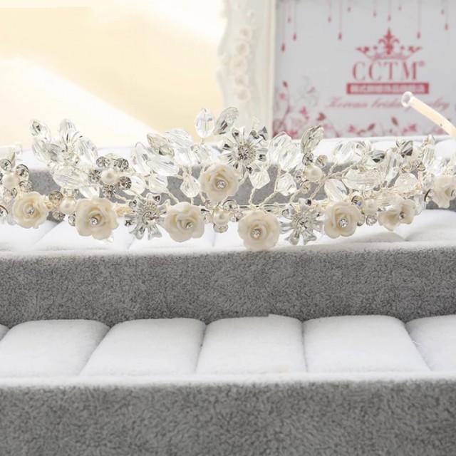 二次会 パーティー ウェデイング ブライダル 結婚式 人気の花モチーフの透明感があふれるクリスタルティアラ dl-c5078