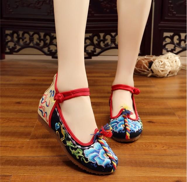 コスプレ/唐装漢服靴 インヒール シューズ カジュアルシューズ 刺繍 コスチューム 写真撮影 ダンス靴 布素材北京靴 中国風 3色展開