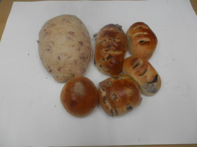 奇跡の30年自家製天然酵母パン  セットAA2.一つ一つ心を込めて焼き上げた美味しいパンのセットです。