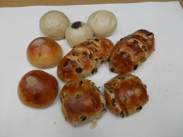 奇跡の30年自家製天然酵母パン  セットTどれも美味しい菓子パンセットです。甘しょっぱいエンドウ豆ぱんは癖になります。