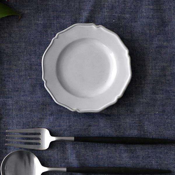プレート 12cm ラウンド プチ プリンセス Calin 皿 洋食器 陶器 日本製 ( お皿 電子レンジ対応 食洗機対応 輪花皿 豆皿 銘々皿 取り皿