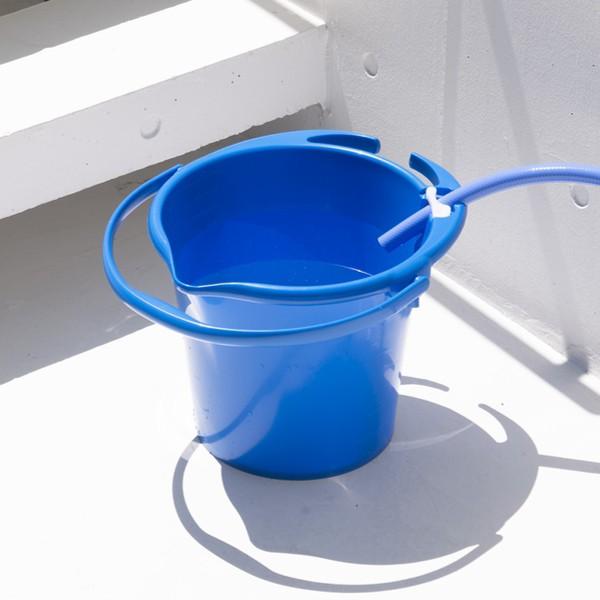 バケツ 10.5L 便利 注ぎ口 雑巾かけ メモリ ホース止め 付き 10.5リットル ( 洗車 掃除 そうじ 清掃 注ぎ口付き 便利機能 雑巾かけ付き