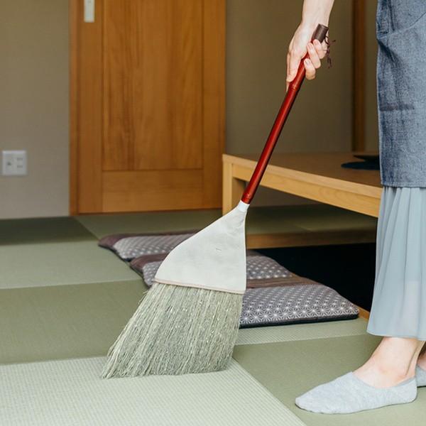 ほうき 高さ83.5cm 短柄 天然草 箒 掃き掃除 床掃除 畳 たたみ ( ホウキ 掃除 清掃 室内 座敷 和室 フローリング タタミ ホーキ 座敷ほ