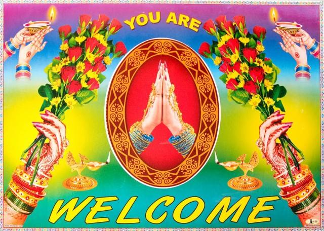 インドの大判ウェルカムポスター 【ナマステ】 / お祝い ヒンドゥー教 神様 本 印刷物 ステッカー ポストカード