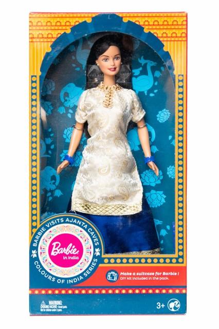 【送料無料】 インドのバービー人形 アジャンター洞窟を見学 / サリー パンジャビ エスニック アジア 雑貨