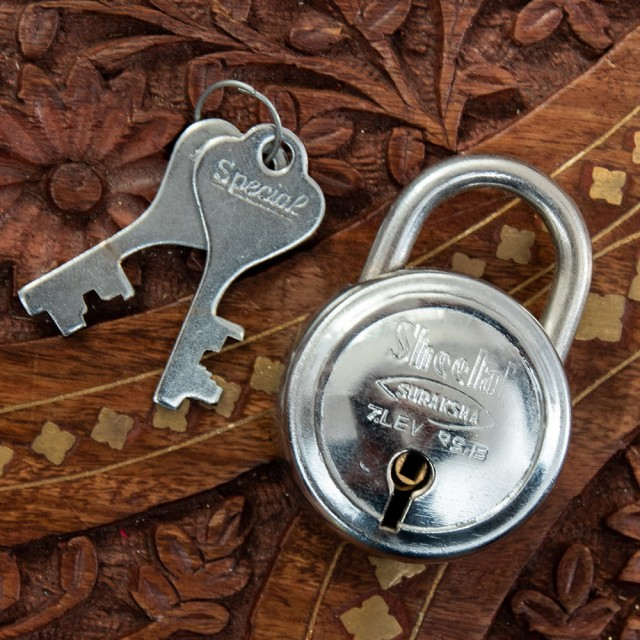 インドの南京錠 Sheetal / 鍵 カギ ロック アンティーク ヴィンテージ エスニック アジア 雑貨